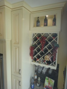 cabass_Lattice Wine Bottle Rack with Glass Hangers
